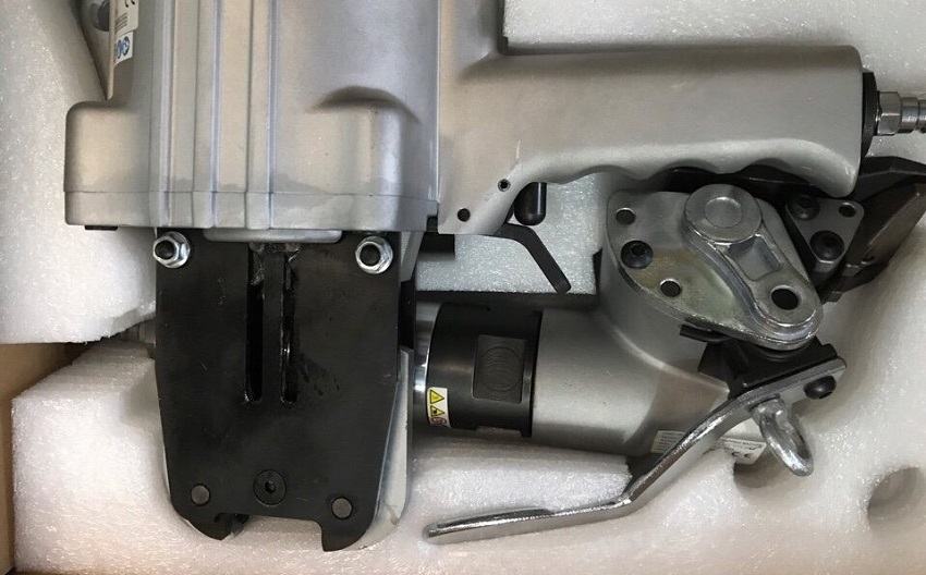 máy đóng đai bằng khí nén Macroleague PT52 2