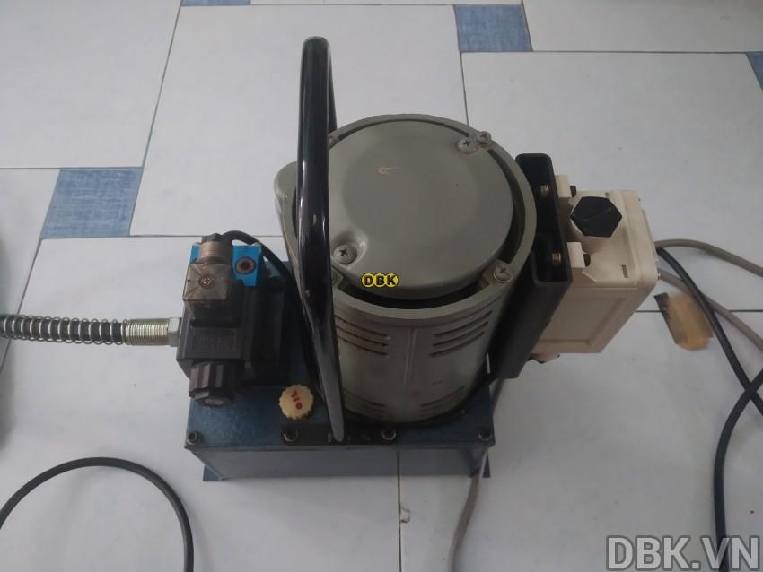 bom-dien-thuy-luc-3-5-lit-tonners-dmp-1-3-7.jpg