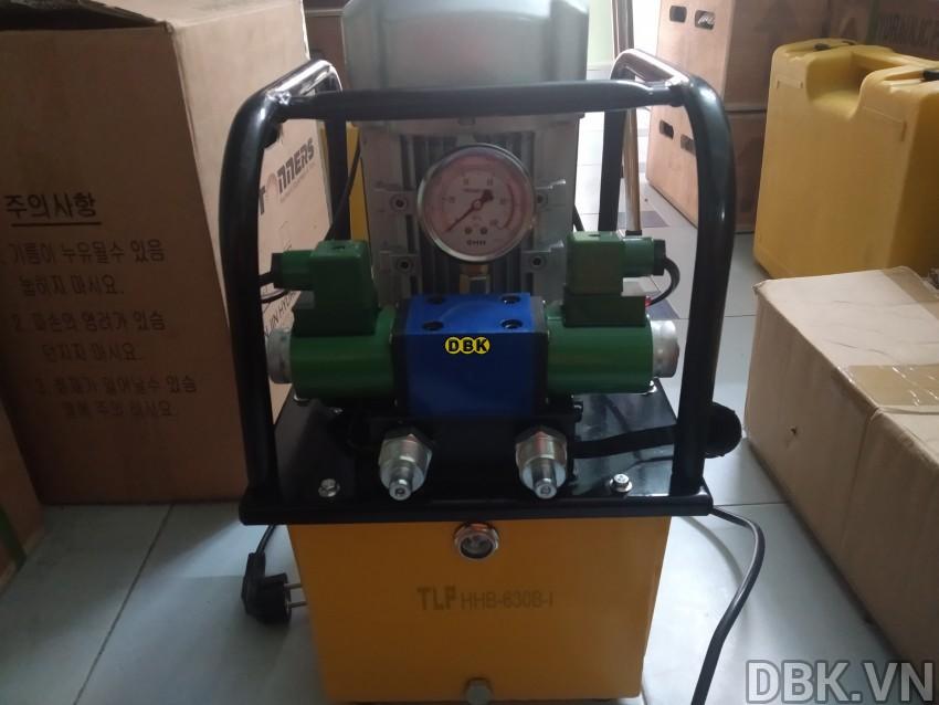 bom-dien-thuy-luc-8-lit-dau-tlp-hhb-630b-i-6.jpg