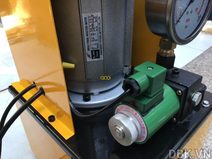 Bơm điện thủy lực 8 lít dầu TLP HHB-630F