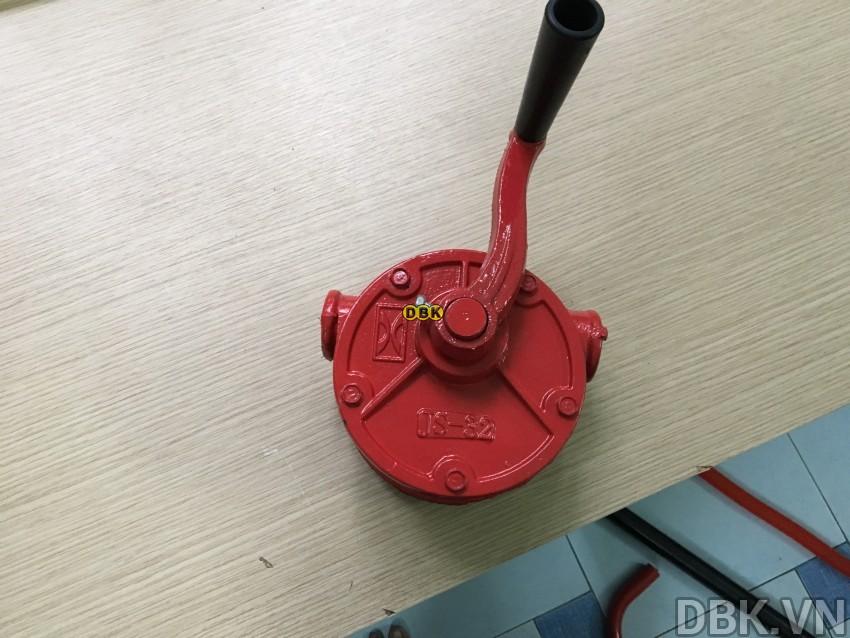bom-quay-tay-dau-bang-sat-dbk-lg-1015e-1.jpeg