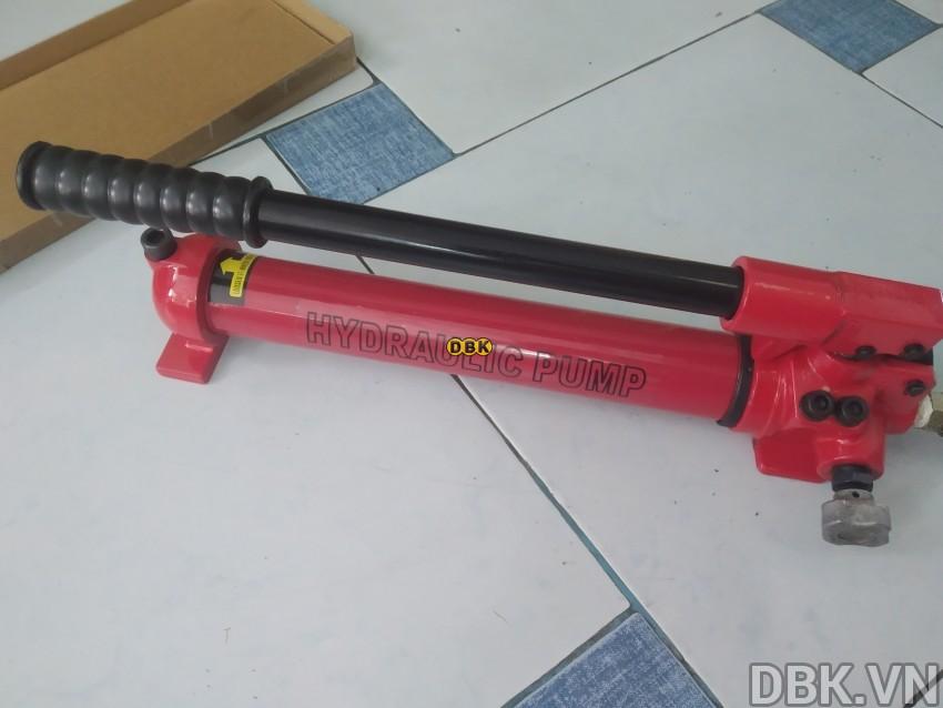 bom-tay-thuy-luc-1-chieu-0-35-lit-dau-tlp-hhb-700c-1.jpg