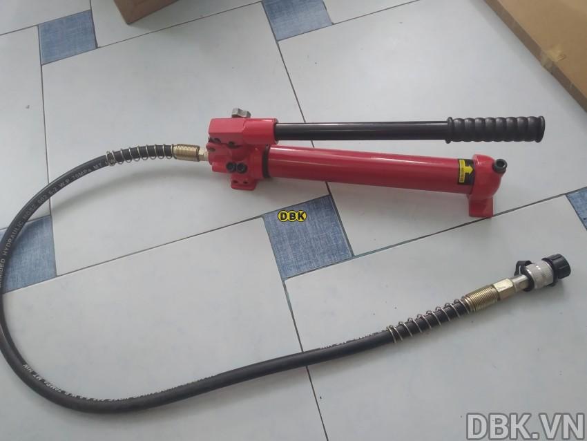 bom-tay-thuy-luc-1-chieu-0-35-lit-dau-tlp-hhb-700c-4.jpg