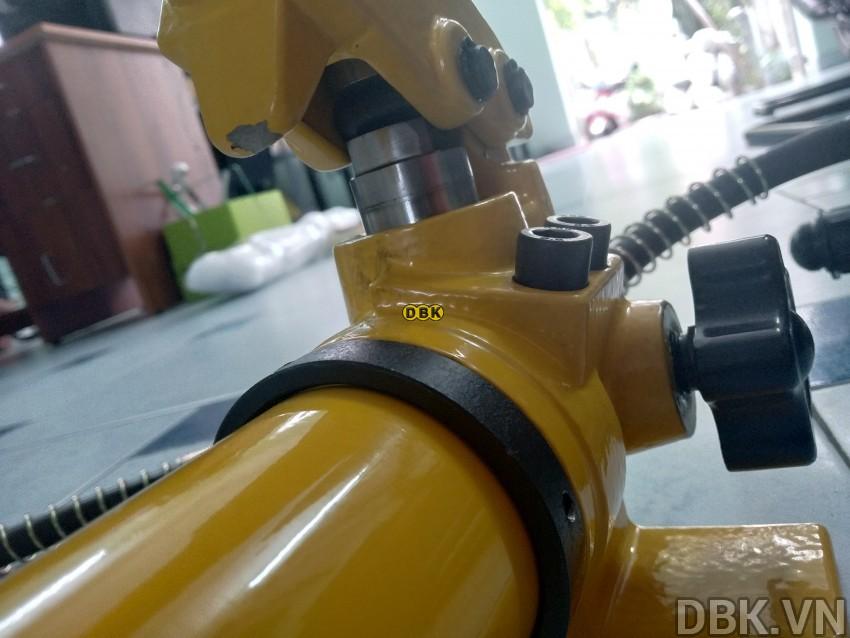 cao-thuy-luc-bom-roi-10-tan-do-mo-max-250-mm-tlp-hhl-10f-with-hand-pump-hhb-700-7.jpg