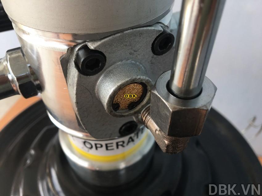 may-bom-mo-bang-khi-nen-20l-dbk-609-4.jpeg